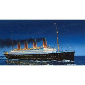 Maqueta RMS Titanic 1:700